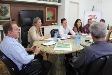 Obras do Pacto pautam reunião de trabalho na SST